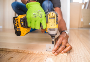 Gambar Perawatan dan cara membuat kayu tahan rayap jangka panjang
